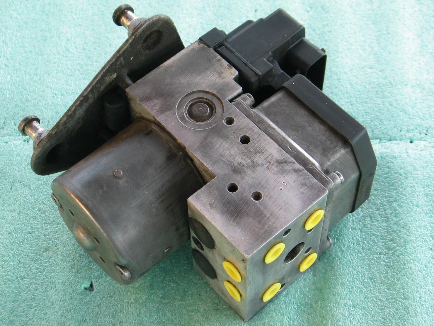 ABS Hydraulic Unit A-0004460889 Mercedes Sprinter