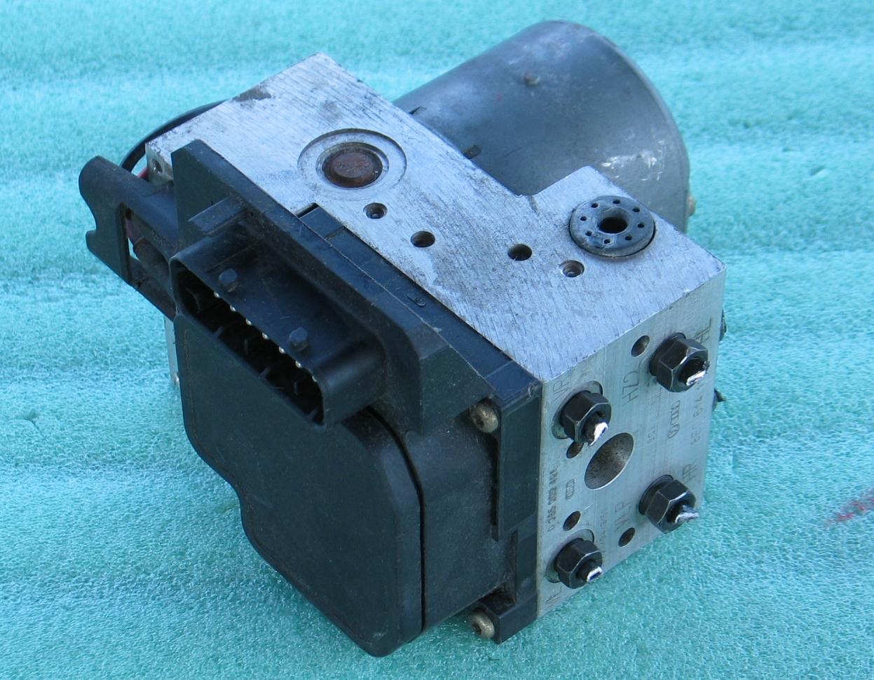 ABS Unit 8E0-614-111-T Bosch 0265202401 VW Pat Audi A4 A6 A8